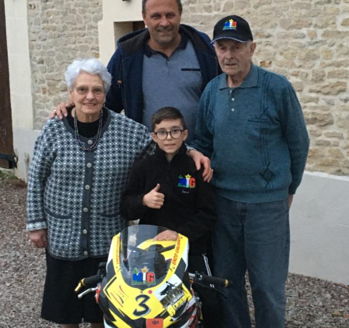 Rencontre de notre jeune pilote Enzo Caligny avec les parents du MIG